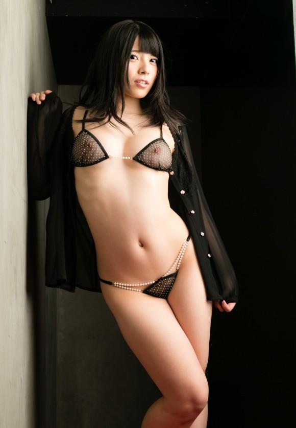 セクシーさが際立つ黒下着の女の子!【画像30枚】26_20180712011455b8b.jpg