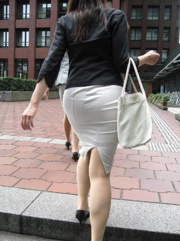タイトスカート履いてるOLのピタっと感がエロいwwwwwww【画像30枚】27_2017120301541838b.jpg