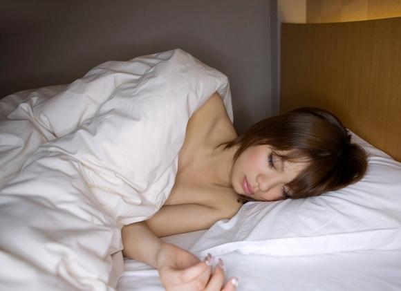 【誘惑】朝からベッドで美女に誘われたら朝勃ちチンコも確チャン大喜びwwwwwww【画像30枚】27_201801040047452c0.jpg