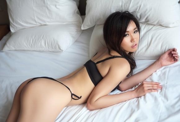 【誘惑】こんな美女にベッドから誘われて断れるヤツいんのか?wwwwwww【画像30枚】27_20180217011448c6e.jpg