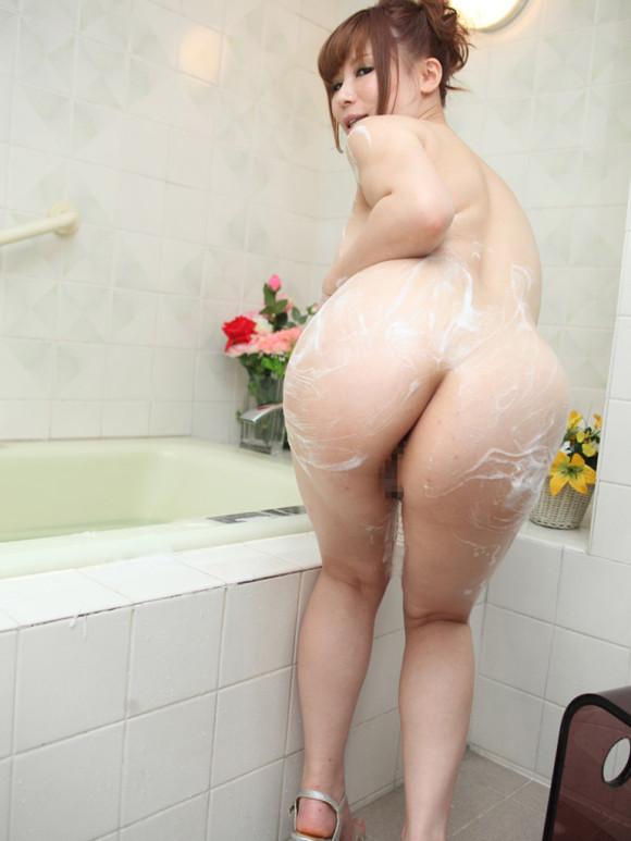 【入浴中】お風呂で泡まみれの女の子の身体がめっちゃエロいwwwwwww【画像30枚】27_20180811003452e5e.jpg