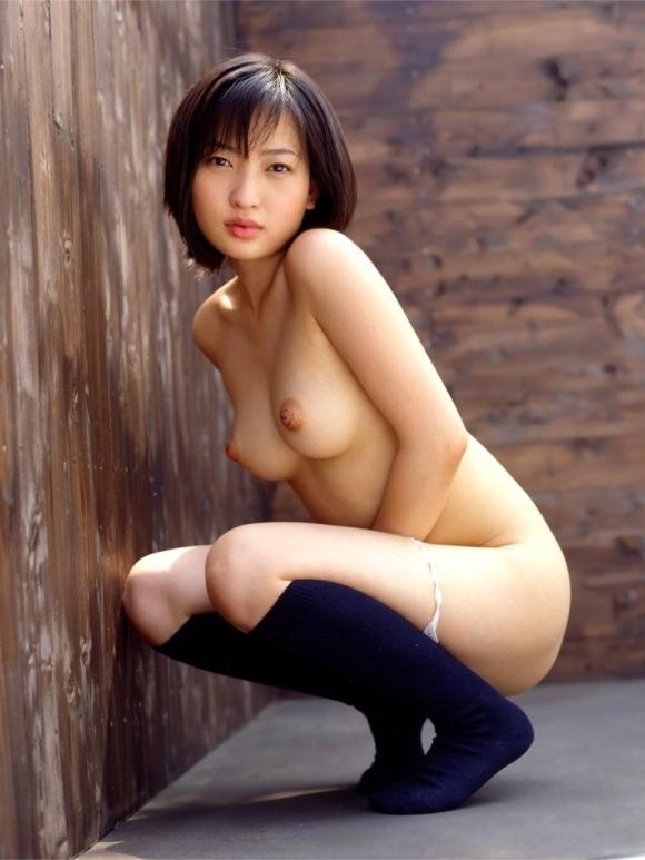 全裸なのに靴下だけ履いてるのがくっそエロいマジでwwwwwww【画像30枚】28_201711090151430f9.jpg