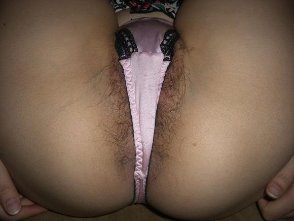 パンティからハミ出てるマン毛の処理をお願いしたいwwwwwww【画像30枚】28_201712231506066cf.jpg