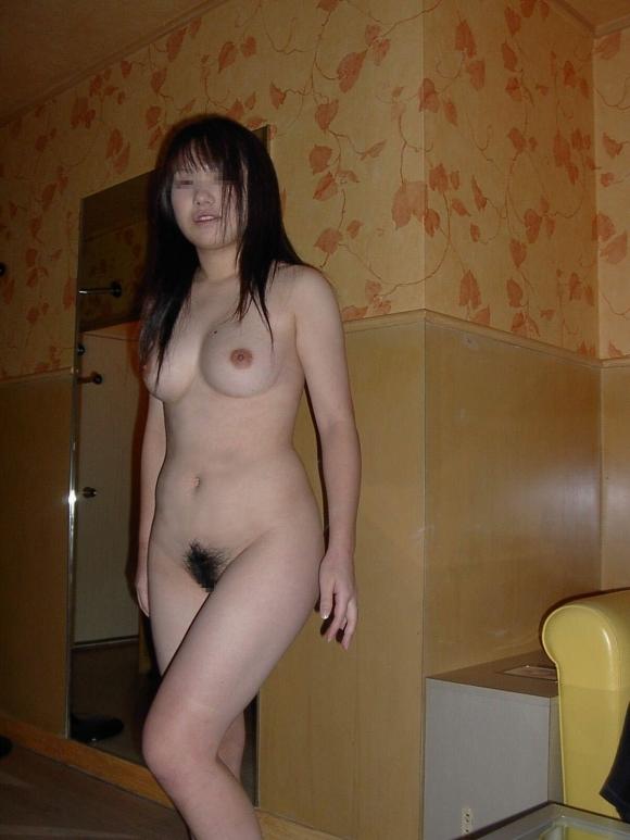 【リアルガチ】やっぱ他人の彼女の裸画像ってくっそヌケるわwwwwwww【画像30枚】28_201712250125590dc.jpg