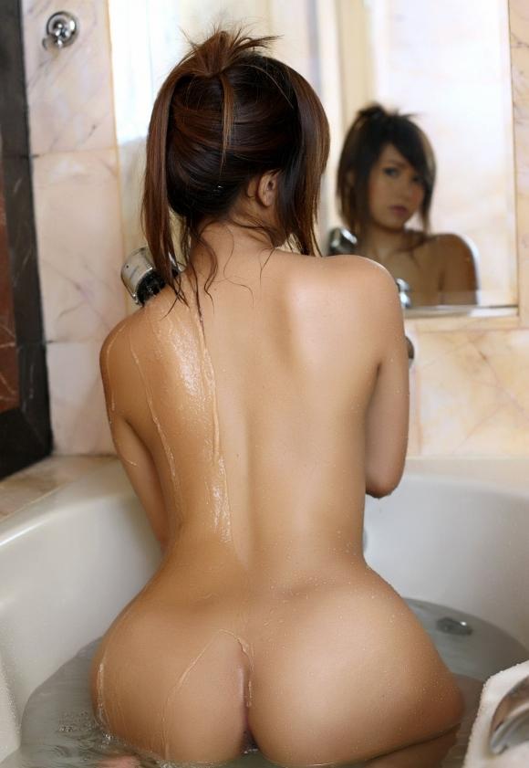 【入浴中】お風呂中の女の子がめっちゃ妖艶でエロいwwwwwww【画像30枚】29_2018050902170826e.jpg