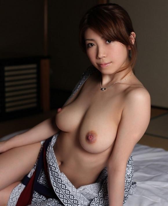 日本人なら絶対好きな和服のエロ画像wwwwwww【画像30枚】29_201805290049593d5.jpg