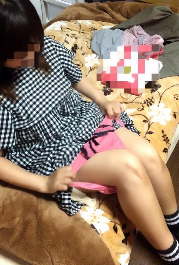 【家庭内盗撮】身内に狙われた女の子のエロい姿がネット上にうpされてるwwwwwww【画像30枚】29_20180601003937be2.jpg