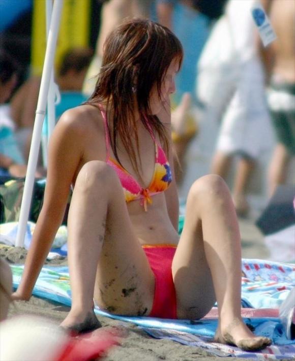 貧乳女の水着姿も全然悪くないwwwwwww【画像30枚】29_20180804004556dd9.jpg