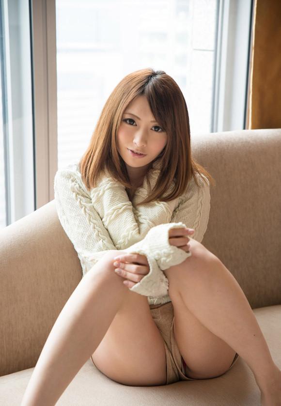可愛い女の子の座りパンチラとか最高すぎるwwwwwww【画像30枚】29_2018090916574849d.jpg