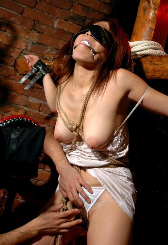 【ソフトSM】縛られて性のオモチャにされてる女の子の恥ずかしい姿wwwwwww【画像30枚】30_20180324014657dea.jpg