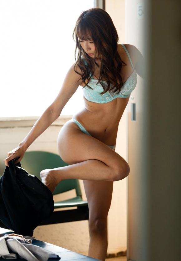 ガチで女子更衣室を覗き見したい男に送る盗み撮り画像が優秀wwwwwww【画像30枚】30_201806180139106fd.jpg