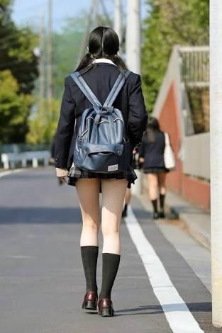 【女子校生】何気ないJKの太ももにエロさを感じるのはボクだけ?wwwwwww【画像30枚】30_201809171546135ac.jpg