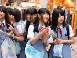 《修学旅行》山口県からやって来た制服娘が都会の毒牙にかかります