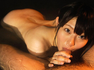 【逢田みなみ】スレンダー巨乳の彼女と混浴温泉でイチャイチャして手コキ・フェラ・パイズリから乳揺れSEX!
