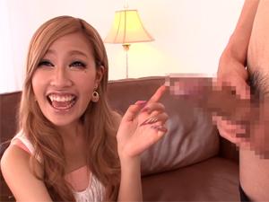 【あいかりん】モデルでダンサーでカリスマキャバ嬢の極上ギャルにエッチなインタビューしながら勃起チンポを見てもらいます!