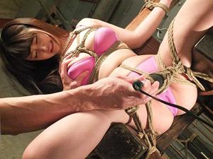 【浅田結梨】媚薬で感度を上げられ完全拘束されイカされ続けるFカップ巨乳美女