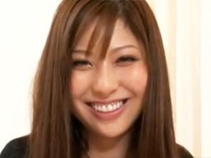 【浅乃ハルミ】世界二位の巨根をフェラで暴発させちゃう美人お姉さん!