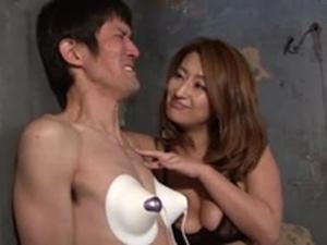乳首責めイキM男開発!吹石れな