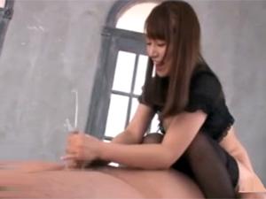 跨り顔騎痴女コキ&男潮吹き!初川みなみ