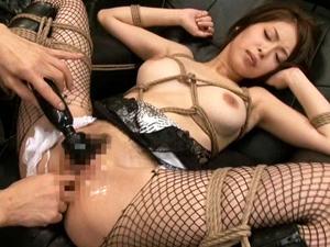 【大塚咲】緊縛されたGカップショートカット美女がマンコとアナル2穴で連続絶頂!!
