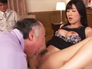 【大槻ひびき】オナニービデオで富豪に一晩を買われ夫の目の前で寝取られる美人妻