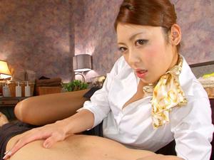 【桜井あゆ】淫語を囁きながらパイ揉みさせ顔面騎乗でイクまでクンニさせて精神的に癒す美人エステティシャン