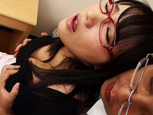 【澁谷果歩】Kカップ巨乳でメガネで可愛くて押しに弱いこんな家庭教師なら勉強どころではないのも当然