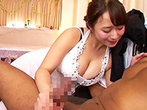 白石茉莉奈 日本が誇るムッチリ爆乳ママンが黒人のデカマラに囲まれブチ込まれる!