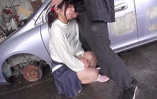 幼い娘しか愛せない鬼畜男が外にいた可愛らしいロ〇娘を人のいない場所に連れて行き中出しレ〇プ!! 【tube8】