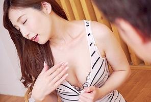 【佐々木あき】 女友達の旦那とのセックスでマンコを濡らす淫乱女が寝取り中出しセックス! 【tube8】