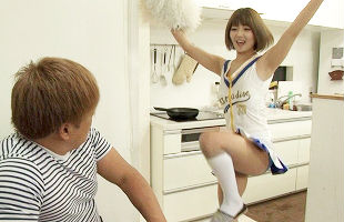 落ち込んでいる兄をチアリーディング衣装で励ます女子校生の妹、興奮した兄は妹のマンコを激ピストン、生中出し 【tube8】