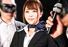 【吉沢明歩】 美人スチュワーデスの両腕を固定して喉奥を激ピストンイラマチオ!! 【tube8】