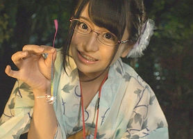 【加藤ももか】 AVメーカーの21歳女性社員、真面目そうな顔をしてかなりのムッツリスケベ!! 【tube8】