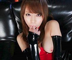【吉沢明歩】 ボンテージコスプレをした淫乱お姉さんのクチマンコを犯す、激ピストンイラマチオ!! 【tube8】