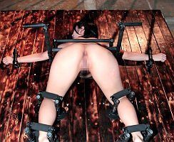 【阿部乃みく】 ショートカット美女の身動きを封じる鉄枷完全固定、巨尻を鷲掴みにしてヤリたい放題生中出しをキメる 【tube8】