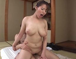 【三島奈津子】 むっちり豊満爆乳の叔母さんマンコで性欲処理、生中出し性交 【tube8】