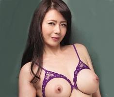 【三浦恵理子】 むっちり豊満巨乳の熟女教師が教え子を誘惑して、金玉から精子を搾り取る中出しセックス 【tube8】