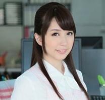 【桜木優希音】 アイドル顔の激カワ美人OLが中年オヤジの肉棒をバキュームフェラ! 【tube8】