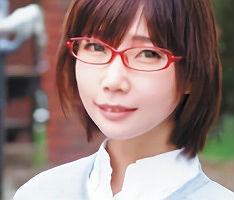 眼鏡をかけた地味系のアイドルヲタクなお姉さんはEカップ巨乳でエッチに貪欲!! 【tube8】