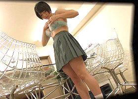 小遣い稼ぎでブ〇セラショップに下着を売りにきた女子校生、店員の男に犯されてしまう・・・一部始終を隠し撮り!!