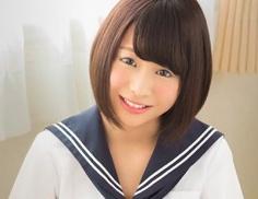 黒髪の激カワ女子校生がメイドコスプレをして中年オヤジと濃密セックス!