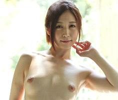 温泉宿へとやってきた色白の美人妻、見知らぬ男性に激ピストンファックで何度もイカされてしまう!