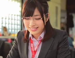 趣味はサバゲー、スノボとアクティブ女子な綺麗なお姉さんのイメージビデオ映像!!