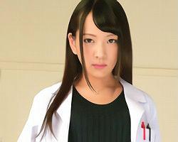 AAカップのつるぺたパイパン女医がED男性を自らの肉体を使いエロ治療をするクリニック!!