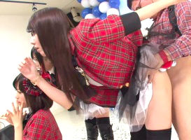 歌番組に出演しているアイドルユニットのメンバーたちを「時間を止めて」生ハメ中出しセックスをするヲタク