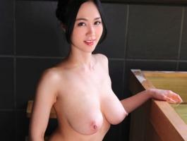 Jカップ爆乳お姉さんのおっぱいが揺れまくる濃密セックス!!