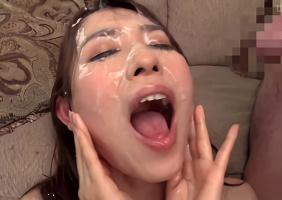 清楚系ガチ奥様が笑みを浮かべながら大量の精子を顔で受け止める連続ぶっかけセックス!!