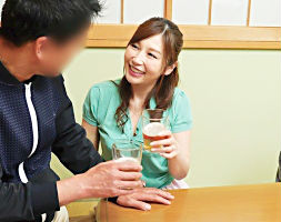 上司の家で酒を飲むことになった結果・・・上司のド変態奥様に誘惑されてパコパコセックス!!