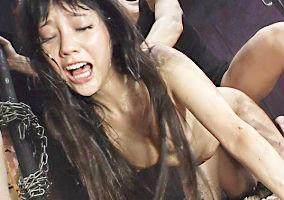 黒髪の綺麗なお姉さんを拉致監禁、抵抗しても絶対に許さない激ピストン中出しレ〇プ!!