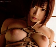 ショートカット激カワ美少女を拉致監禁、麻縄で縛り上げる緊縛調教セックス!